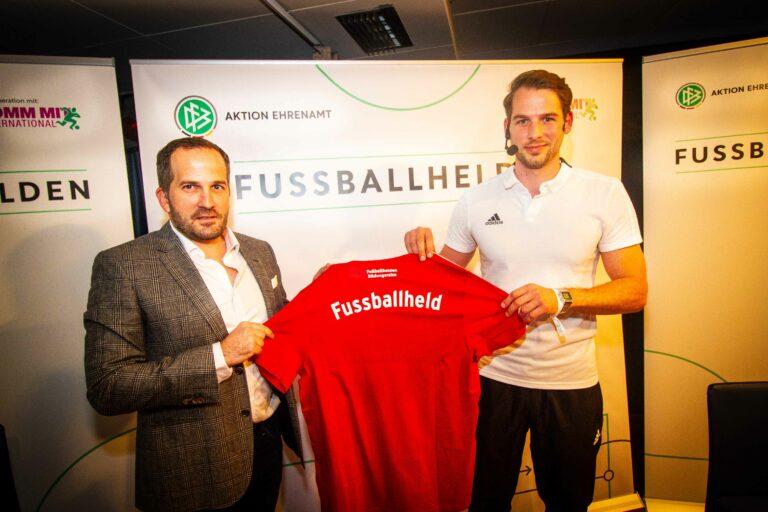 125 Fußballhelden treffen sich in Duisburg