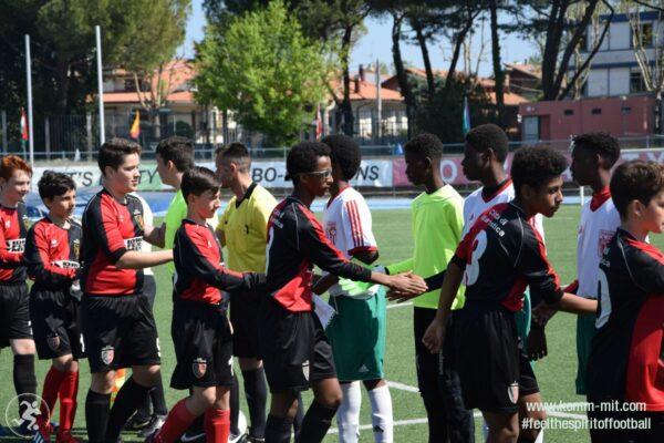 KOMM MIT_Adria-Football Cup_Handshake